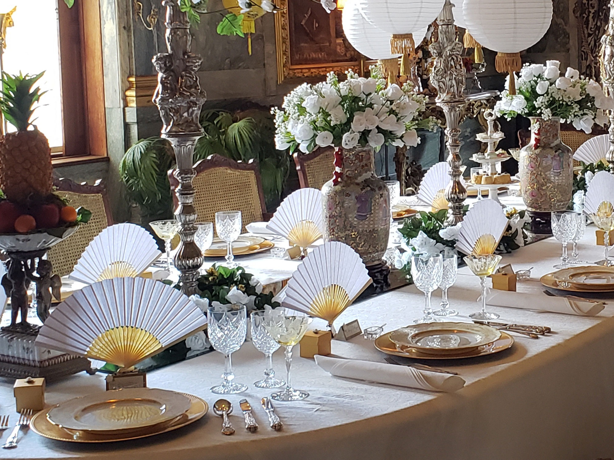 Asian Themed Christmas Dining Room